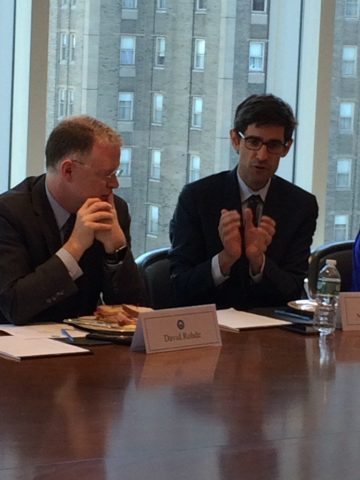 David Rohde (r.) and Nicholas Thompson (l.) led the discussion.